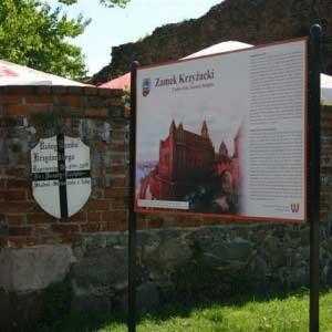 tablica - zamek krzyżacki